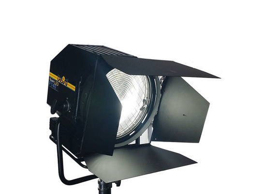 photo Projecteur fresnel 60W Super Led F4.7 DESISTI ( 5600K )