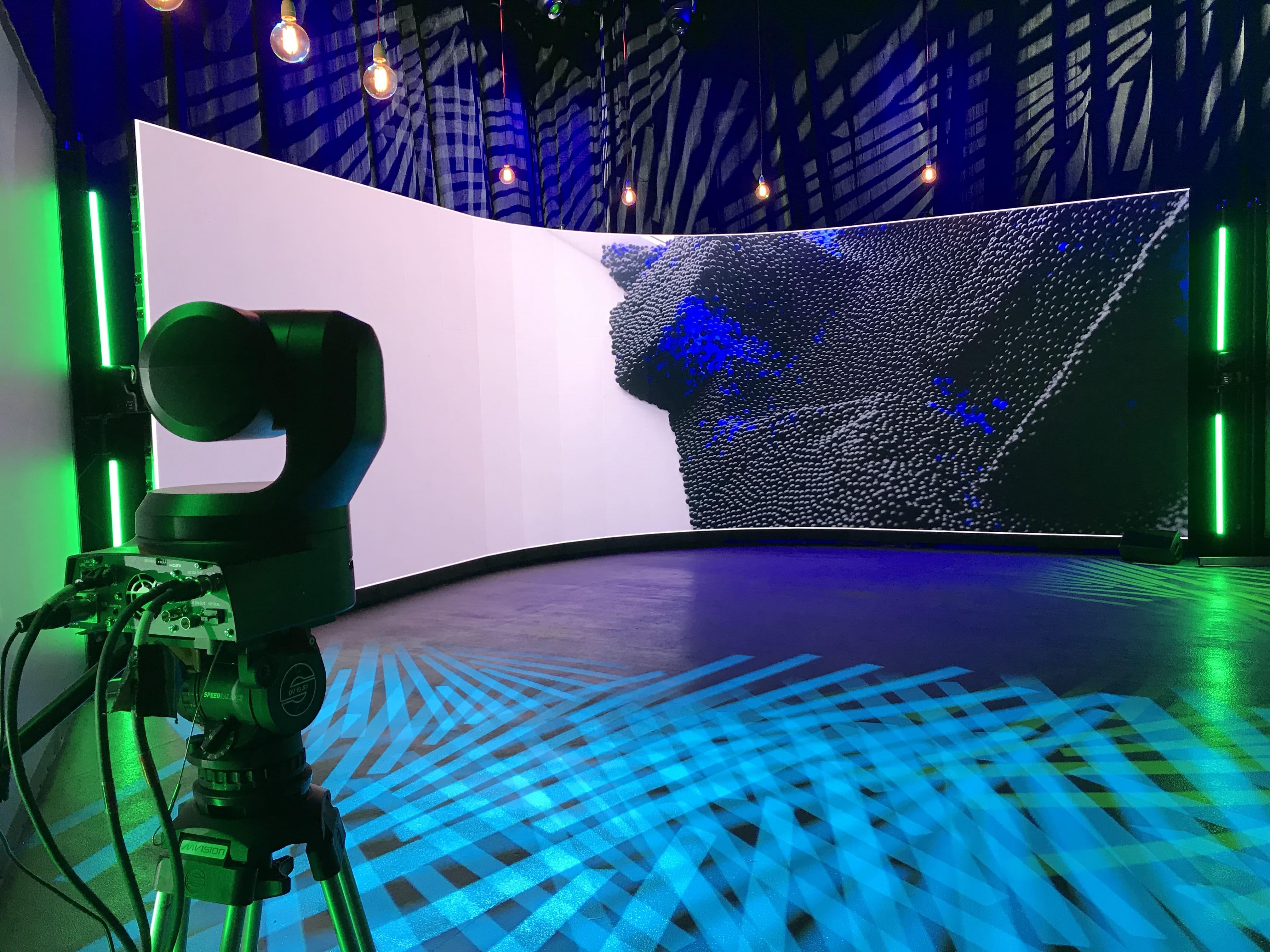 Mvision équipé ses studios de tournage avec les caméras PTZ Panasonic